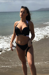amelia-beach-walker-bts-107