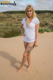 anna-b-wet-t-shirt-1