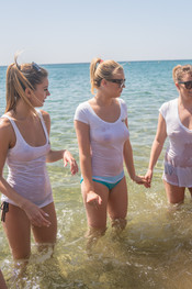 ashley-atena-rosie-courtney-wet-tshirts-beach-123