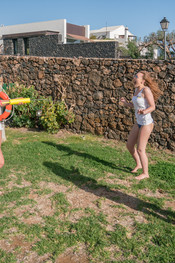 ashley-courtney-rosie-waterfight-111