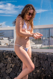 bea-triss-wet-and-wild-101