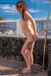 bea-triss-wet-and-wild-104