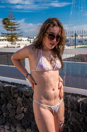 bea-triss-wet-and-wild-117