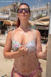 charlotte-public-shower-194