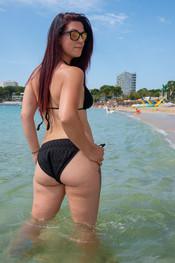 charlotte-topless-public-beach-193