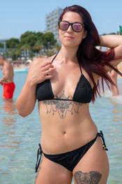 charlotte-topless-public-beach-197