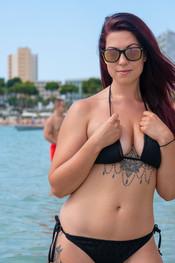 charlotte-topless-public-beach-199