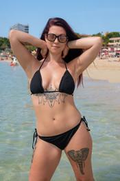 charlotte-topless-public-beach-203