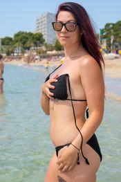 charlotte-topless-public-beach-208