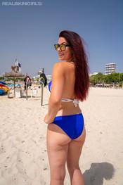 charlotte-topless-treat-210
