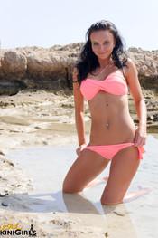 diana-pink-bikini-16