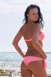 diana-pink-bikini-7