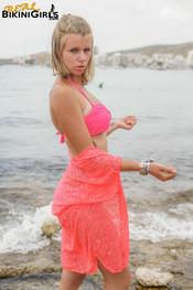 fauve-d-shawl-topless-10