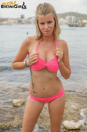 fauve-d-shawl-topless-20