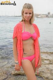 fauve-d-shawl-topless-4