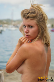 fauve-d-snaked-topless-29