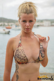 fauve-d-snaked-topless-3