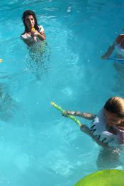 hanna-jo-sam-tia-pool-fun-101