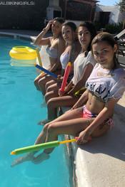 hanna-jo-sam-tia-pool-fun-107