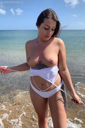 jane-boobie-beach-111