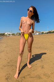 jo-going-topless-151
