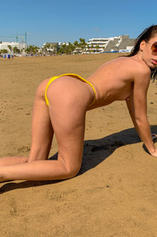jo-going-topless-161