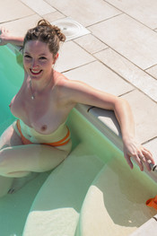 joey-orange-bikini-121