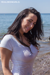 kelly-w-wet-tshirt-sea-102