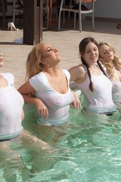 lycia-joey-beth-rosa-splashing-around-103