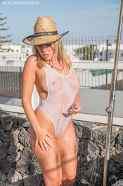 millie-f-cowgirl-200