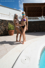paige-miah-ready-for-the-pool-111