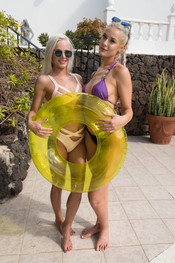 paige-miah-ready-for-the-pool-144