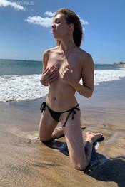 rosanne-beach-bum-123