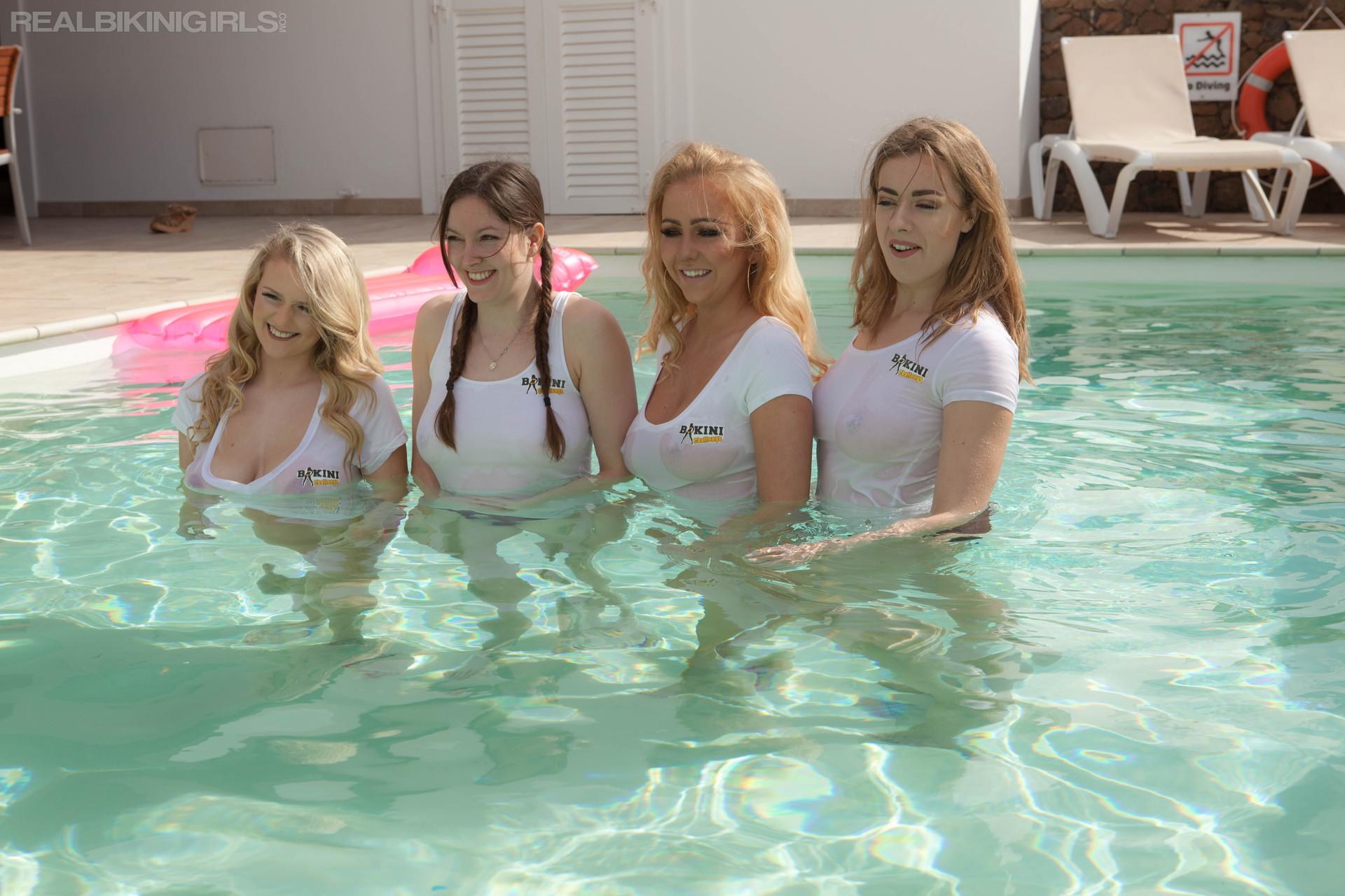 lycia-joey-beth-rosa-splashing-around-100