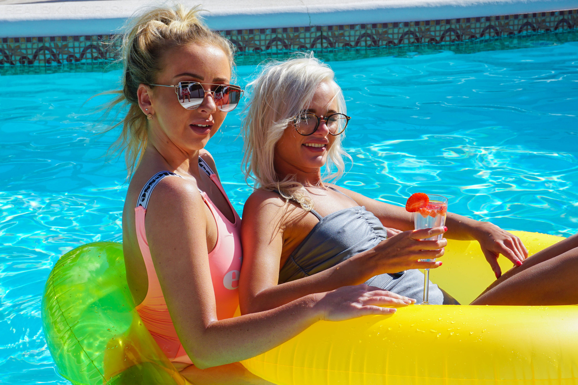 beth-miah-pool-for-two-103