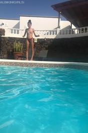 sam-tia-jo-hanna-pool-competition-110
