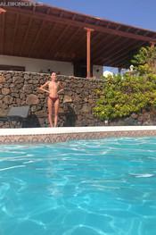sam-tia-jo-hanna-pool-competition-125