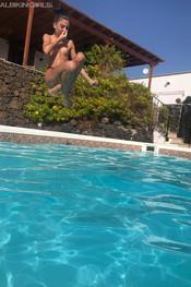 sam-tia-jo-hanna-pool-competition-128