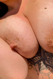 tia-sandy-boobs-135