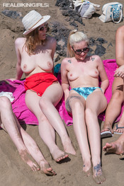 topless-beach-114