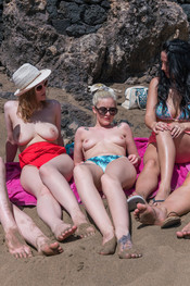 topless-beach-121